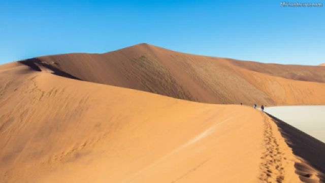 Big Daddy Dune of Namib Naukluft National Park, the view while climbing it with Dead vlei on the right<sup>1</sup>