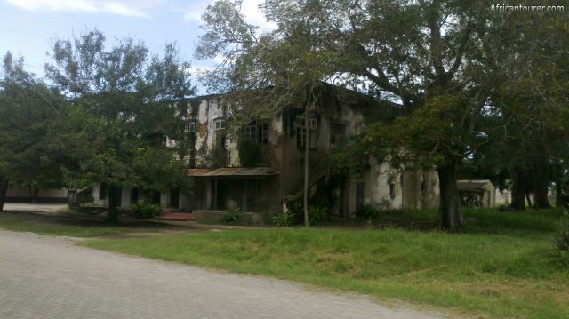 The Liku house of Bagamoyo, view from the front (north) and on Inda street