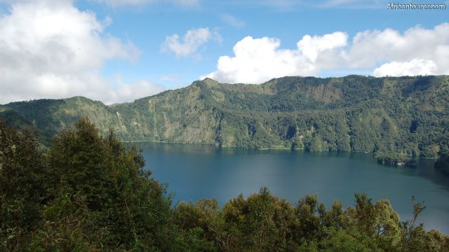 Lake Ngozi - Mbeya, view from the hiking path on the crater rim [2]