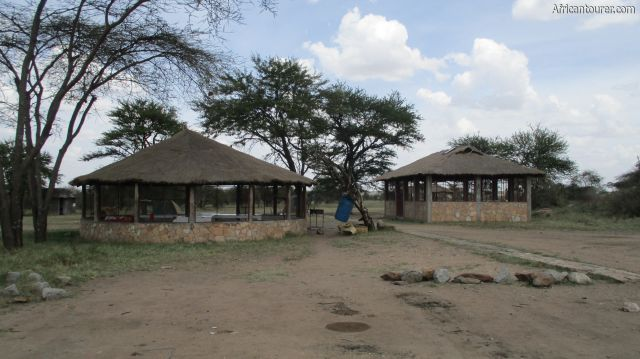 Pimbi campsite of Serengeti national park, kitchen (left) and dining area (right)