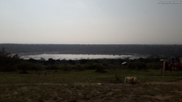 Queen Elizabeth national park, one of the crater lakes <sup>1</sup>